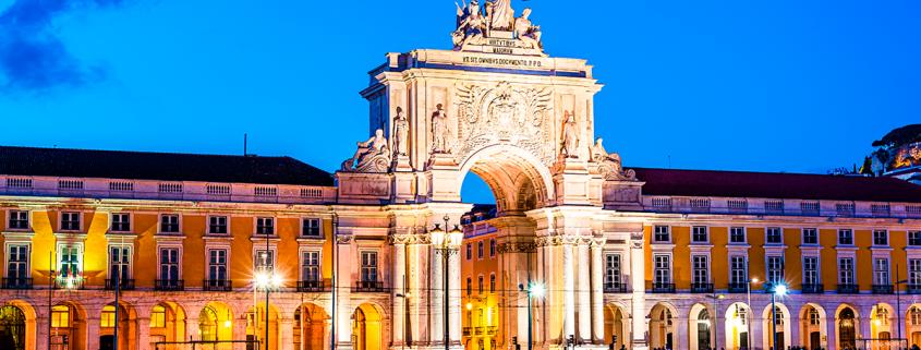 Imagem ilustrativa do artigo sobre iluminação exterior de edifícios históricos